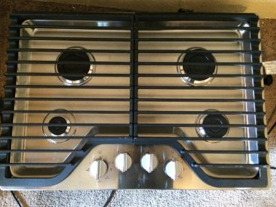 "Whirlpool 30"" 4 Burner Gas Cooktop in Stainless Steel"