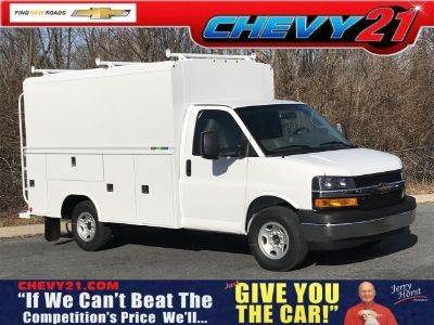 2019 Chevrolet Express 3500 Work Van (Summit White)