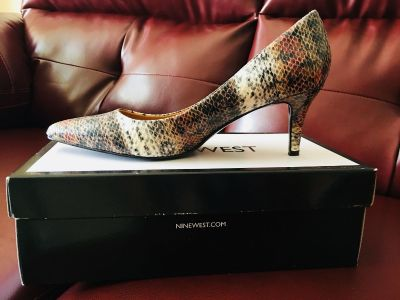 Nine West leather pump, new with box