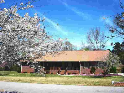 112 Overlook Dr McDonough Three BR, All brick ranch home on 6.51
