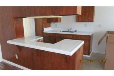 1 Bed, 1 Bath Upstairs Unit ONE BLOCK FROM BEACH with Hardwood Floors