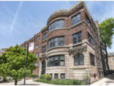 Chicago Three BR One BA, 442 West Melrose Street 1