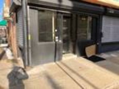 Retail/Commercial Space For Rent Long Island City -900 sq ft
