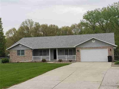 14548 N Kepley Lane EFFINGHAM Four BR, Perfect House and