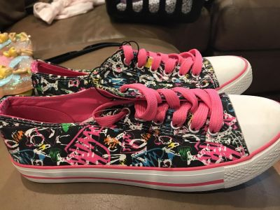 Women s size 9 shoes new with tags
