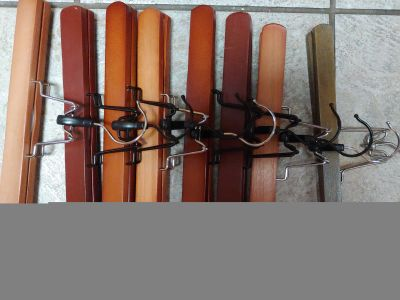 7 Wooden pants/skirt clip hangers