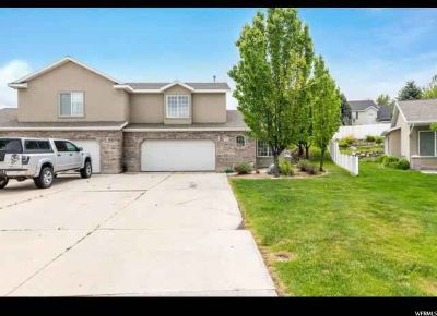 268 E Jay Ln Payson, Great twin home with 2 car garage!