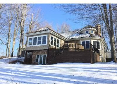 1 Bed 1.5 Bath Foreclosure Property in Lawrence, MI 49064 - 44th Ave