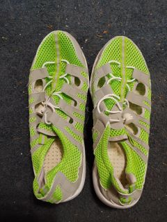 Water shoes. Comfortable but outgrew.$8. Sz 8