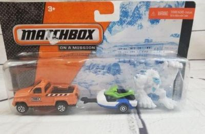1/64 Scale Matchbox Hitch N Haul Mission Snow Attack Jeep SnowMobile Yetti CDL28