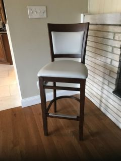 4 commercial quality barstools