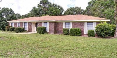 Spacious Ranch-Style Home with Sunroom and Pool in Magnolia Hills, Mobile!