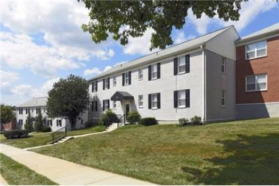 3 bedrooms - Donnybrook Apartments is located just a few blocks from universities.
