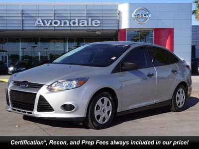 2013 Ford Focus S (Oxford White)