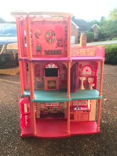 pink barbie doll house