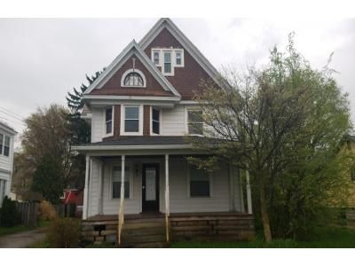 5 Bed 3.0 Bath Preforeclosure Property in Amherst, OH 44001 - Spring St