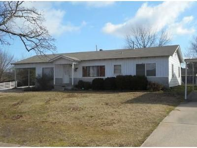 3 Bed 2 Bath Foreclosure Property in Fort Smith, AR 72904 - N 30th St
