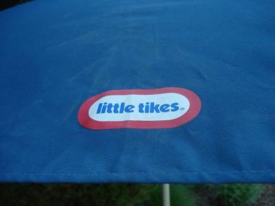 CHILD'S LITTLE TIKES PICNIC TABLE UMBRELLA
