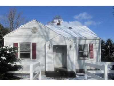 2 Bed 1 Bath Foreclosure Property in New Carlisle, IN 46552 - State Road 2