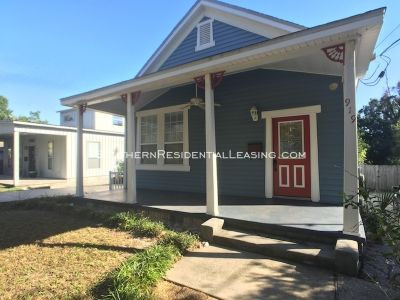 Charming 2BD East Hill Cottage
