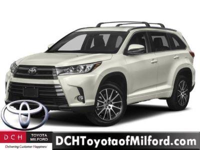2019 Toyota Highlander (Ooh La La Rouge Mica)