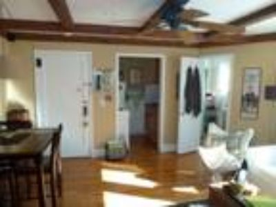 GLEN HEAD APARTMENT FOR RENT/Near Train/And Colleges