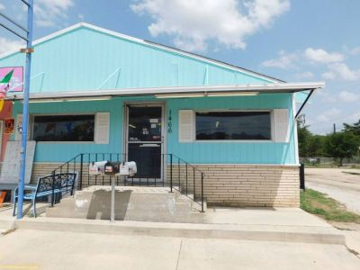 ***Space for Lease*** 1466 S. W.W. White Rd. 78220