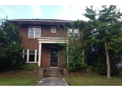 4 Bed 2.5 Bath Foreclosure Property in Canton, OH 44709 - Woodland Ave NW