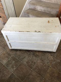 Antique cedar chest Inside is in excellent condition.