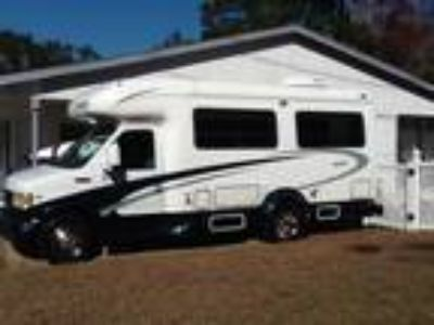 2001 Dynamax Starflyte Ford E-350 Chassis