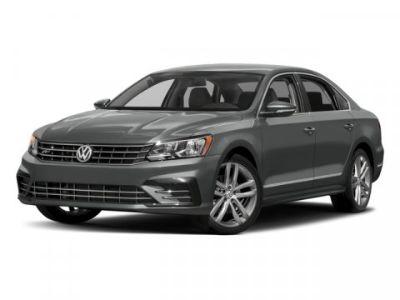 2017 Volkswagen Passat R-Line w/Comfort Pkg ()