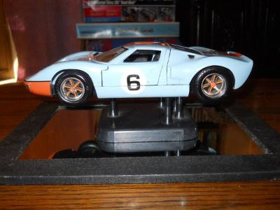 118 SCALE FORD GT-40 DIECAST METAL