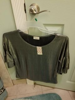 Free Kisses Shirt New with tag attached Size Medium