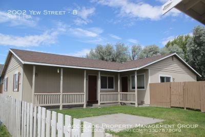 3 Bedroom 1 Bath home just blocks from the University