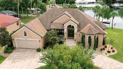 530 SW 1st Avenue Crystal River Three BR, Luxurious living with
