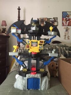 """REDUCED - EUC of the """"Imaginext DC Super Friends Transforming BATCAVE"""" $15.00 (OBO - NOT A RIDICULOUS OFFER)!"""