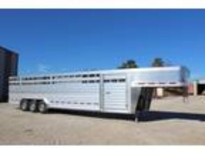 2018 Featherlite 8127 7 6 x 32 Aluminum Livestock Trailer