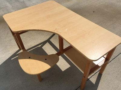 Lightweight, corner desk with chair combo