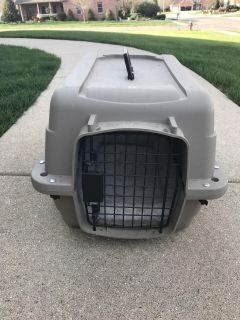 Medium 24 inch Dog crate/carrier