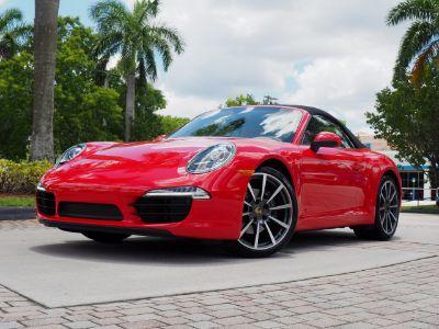 2016 Porsche 911 Carrera (Guards Red)