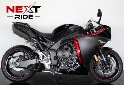 2009 Yamaha R1 (Black)