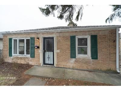2 Bed 1 Bath Foreclosure Property in Franklin Park, IL 60131 - Lincoln St