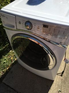 Whirlpool White Washer