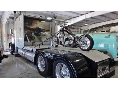2000 Peterbilt Truck