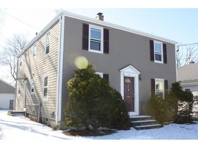 6 Bed 2 Bath Foreclosure Property in Pawtucket, RI 02861 - Bucklin St