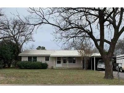 2 Bed 2 Bath Foreclosure Property in Coleman, TX 76834 - Roselawn St