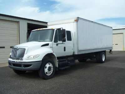 2010 International ExCab* 29 K Miles* 24 Ft Box