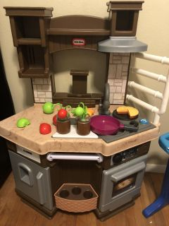 Little tikes play and learn kitchen