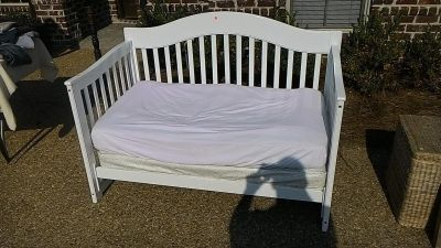 Small daybed or child s bed.
