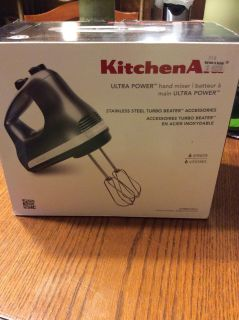 EEUC Kitchen Aid hand mixer only used couple of times selling for my Mother GIFTABLE